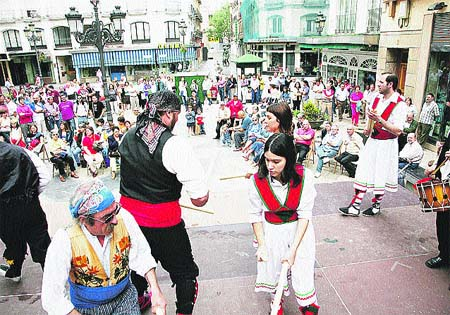 Fiesta con folclore aragonés