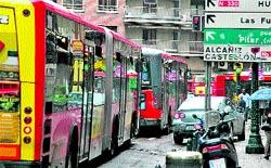 La lluvia de ayer atascó 21 líneas de autobuses