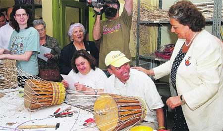 Rita visita a los alumnos de un centro ocupacional