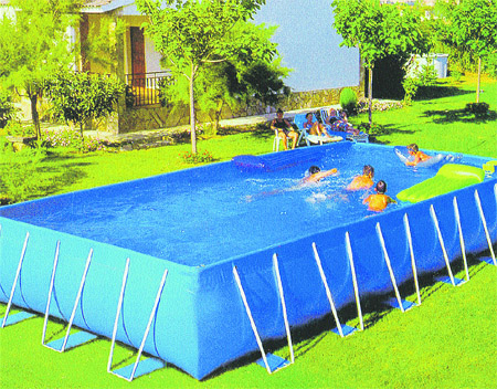 Una piscina de quita y pon for Piscinas desmontables cuadradas