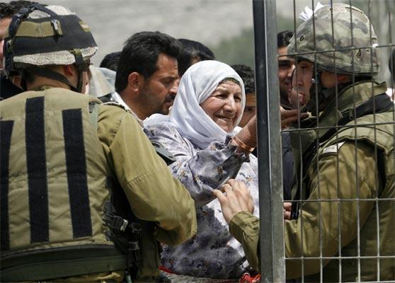 Punto de control israelí en Haware (Palestina)