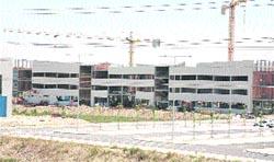 Nuevos edificios de investigación se están construyendo ya en el campus del Actur.(Fabián Simón)