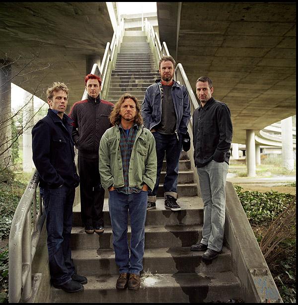 El quinteto de Seatle Pearl Jam, liderado por el vocalista Eddie Vedder (centro).