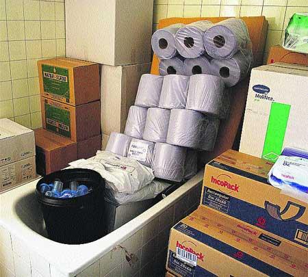 Ba os para los pacientes o almacenes del hospital cl nico - Banos del hospital ...