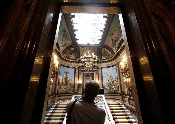 120607 Casa de AMérica, palacio de Linares. Puertas abiertas. Recorrido para la prensa por el interior del Palacio de Linares en Madrid, junto a la Cibeles, sede de la Casa de América. El palacio abrirá sus puertas al público el próximo domingo.