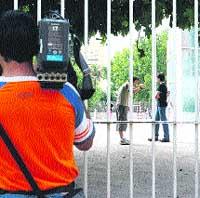 Tres chicos apuñalan a un compañero de instituto en Valencia