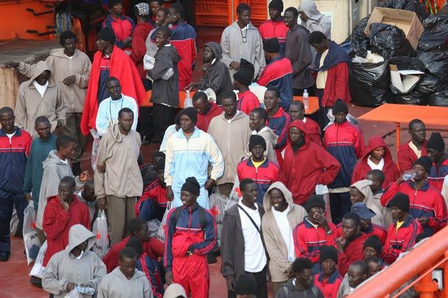 La llegada de inmigrantes vuelve a ser un problema para Canarias.