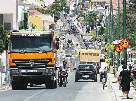 Cuatro horas de caravana al día en Puerto de la Torre