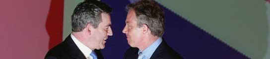 Tony Blair y Brown escenifican el cambio de poder