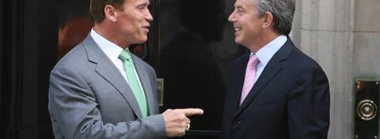 Blair y Schwarzenegger (AP)
