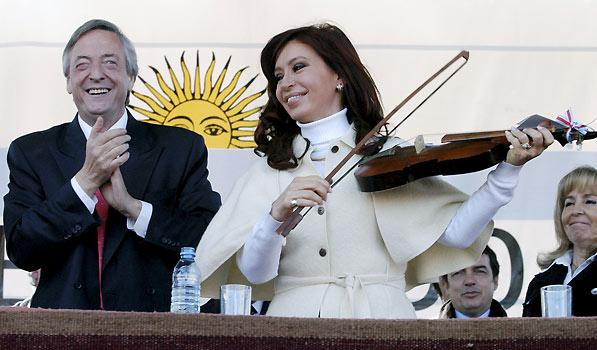 Néstor Kirchner y su mujer, la senadora Cristina Fernández