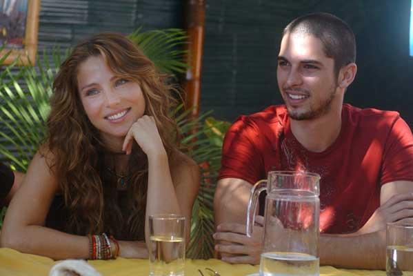 Elsa Pataky y su compañero de reparto Jason Day.