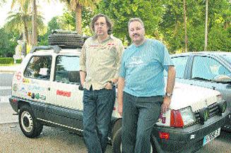 Dos cordobeses irán de Londres a Mongolia en un Seat Marbella de 1994
