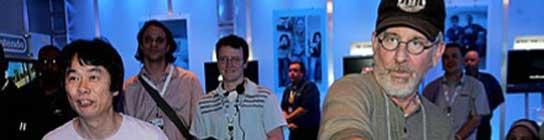 El genio de Nintendo Shigeru Miyamoto y Steven Spielberg jugando a la Wii. (Las horas perdidas)