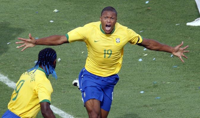 Baptista dio la victoria a Brasil