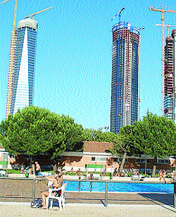 Un ba o a la sombra de los rascacielos for Piscinas nudistas en madrid