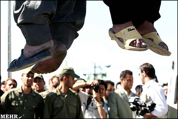 Irán ahorca en público a cinco personas sin especificar los delitos cometidos