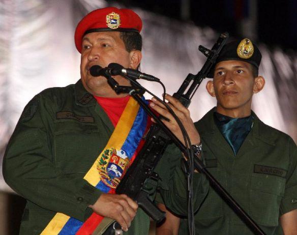 Chávez se arma