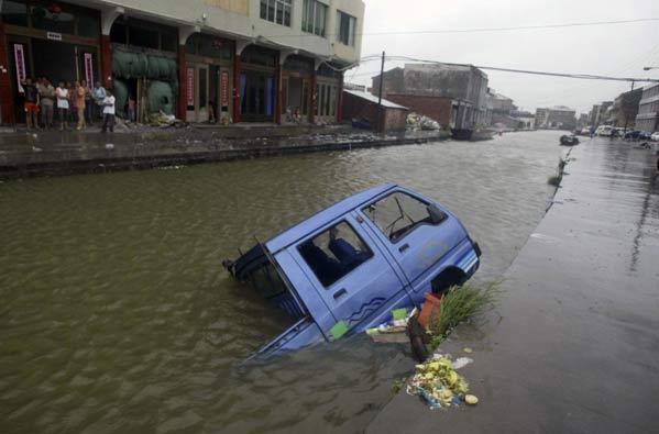 29 muertos y 14 desaparecidos al paso del tifón 'Sepat' por China