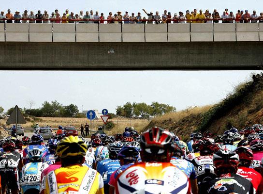 El pelotón de la Vuelta 2006.