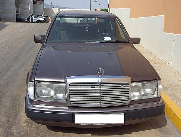 Uno de los cuatro coches intervenidos tras ser falsificados por el detenido.