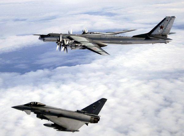 Bombarderos interceptados