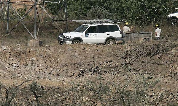 Socavón provocado por la explosión de una autocaravana en Castellón (EFE)