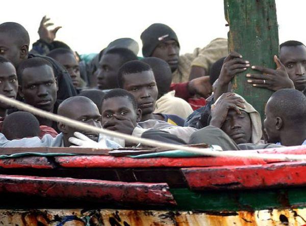 Inmigrantes ilegales llegados a la costa española (EFE)