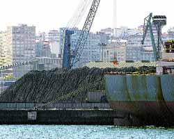 Os Castros retoma la guerra contra las descargas de carbón