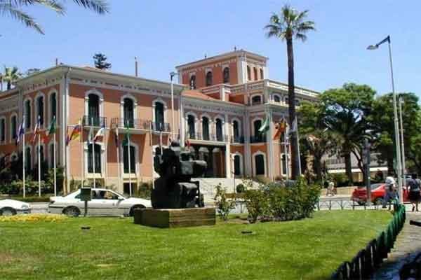Escultura Casa Colón