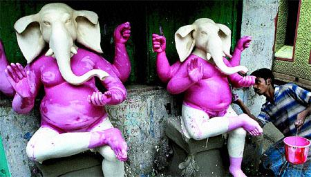 La India se engalana para los festivales