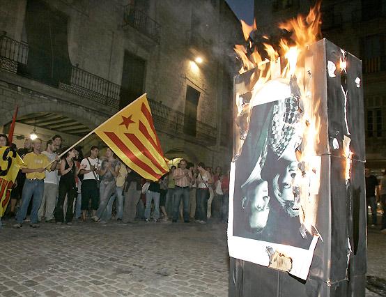 Queman fotos del Rey en Girona