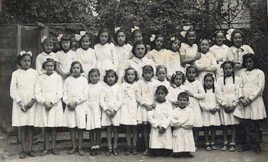Un colegio en Valencia en los años 40.