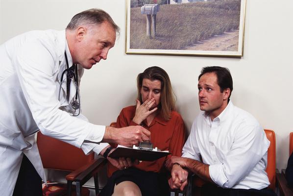 Los médicos ingleses dejarán de usar la tradicional bata blanca