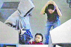 Secuestra a un niño durante un robo