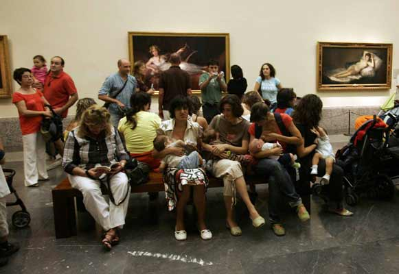 Amamantando en el Prado