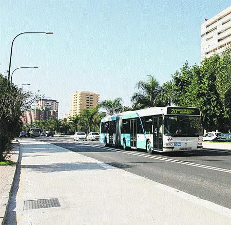 Comienza el arreglo de los baches del carril-bus