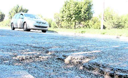 Arreglarán por fin el vial de la Azucarera después de 22 años sin reasfaltado