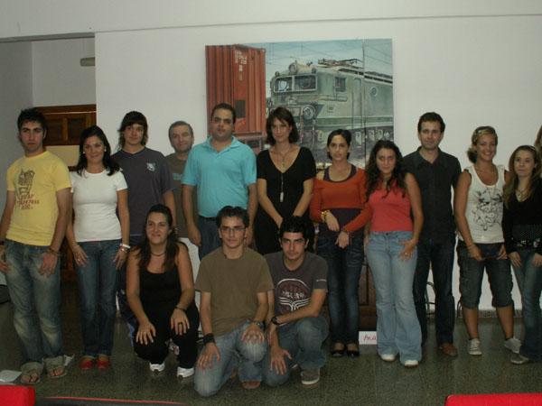 Estudiantes se forman en el aula de la Casa de la Cultura