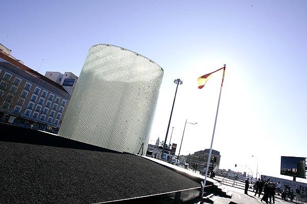 Semana de la Arquitectura en Madrid, monumento 11-m. Monumento homenaje a las víctimas del 11-M. Arquitectos: Estudio FAM.  Inaugurado en 2007.