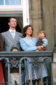 Joaquín y su ex , Alexandra Manley , con sus hijos