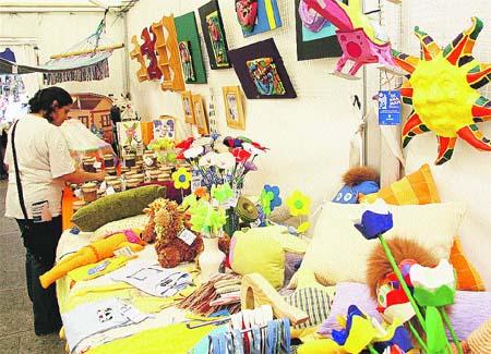 Feria de artesanía multicultural