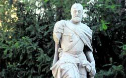 Carlos V pierde por cuarta vez en tres años su brazo derecho