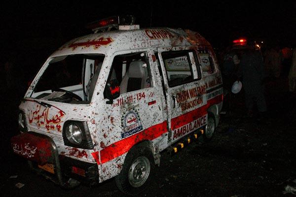 Ambulancia con rastros de sangre