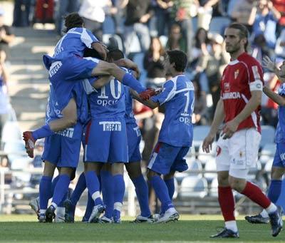 Getafe celebra ante el Murcia