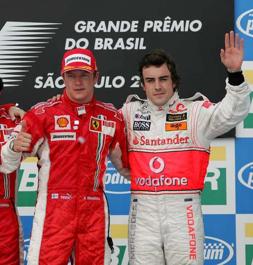 Raikkonen y Alonso desplegable