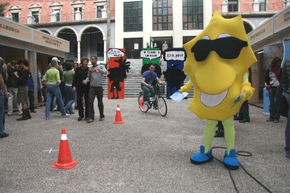Feria bienvenida universitaria