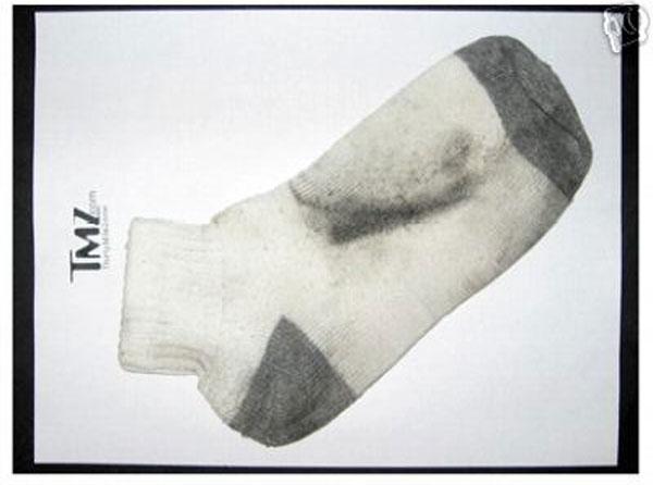 Más de 400 euros por un calcetín sucio y atropellado por Britney Spears