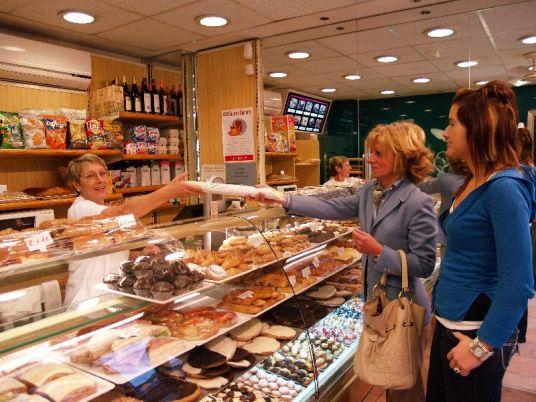 El pan precocinado de los supermercados gana terreno al