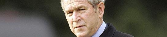 George Bush en los jardines de la Casa Blanca.